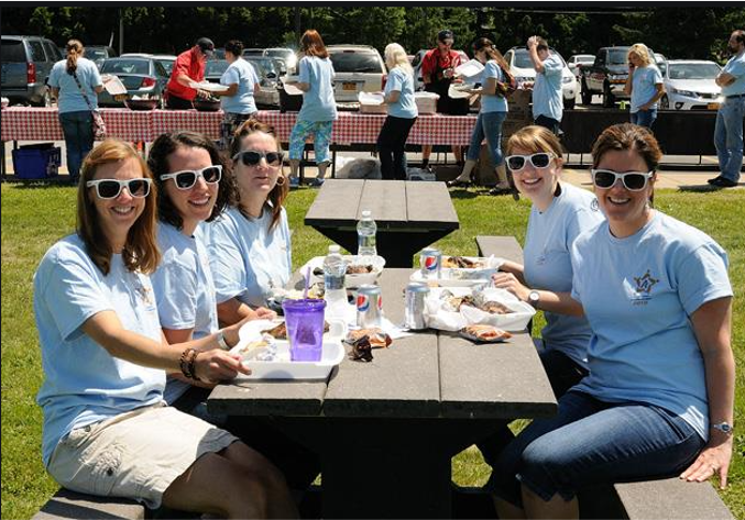 Company Picnics, Tradeshows, Golf Outings – What Should I Hand Out?